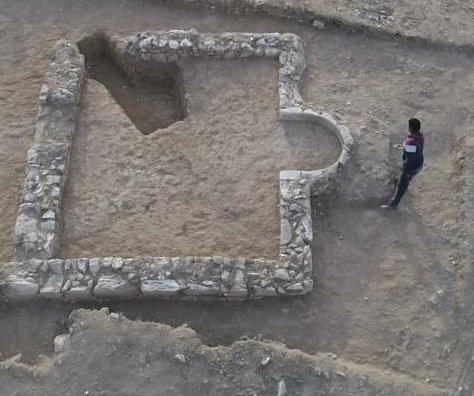 Scientists find 1,200-year-old mosque in Israel Negev Desert