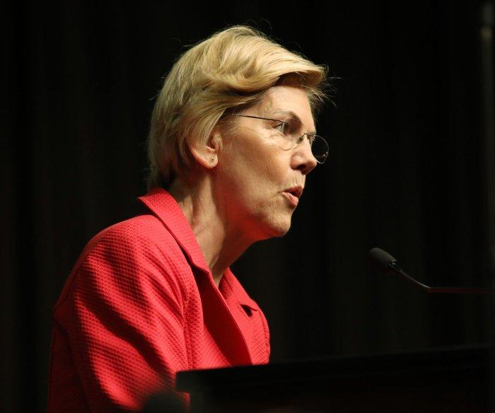 Warren calls for Trump's impeachment