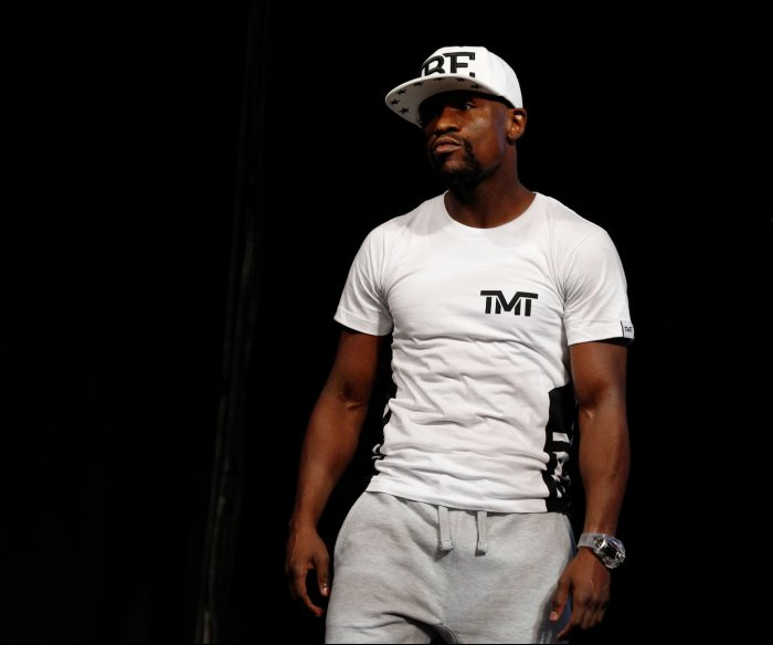 Former boxer Floyd Mayweather Jr. to pay Floyd's funeral expenses