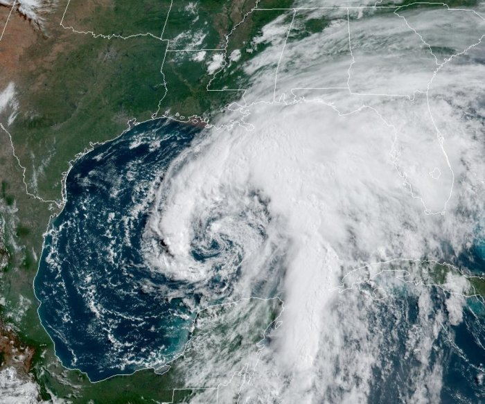 Tropical Storm Cristobal, gaining strength, closes in on Gulf Coast