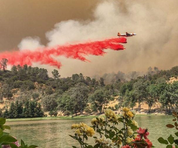 Thousands battle California blaze, now at 70K acres