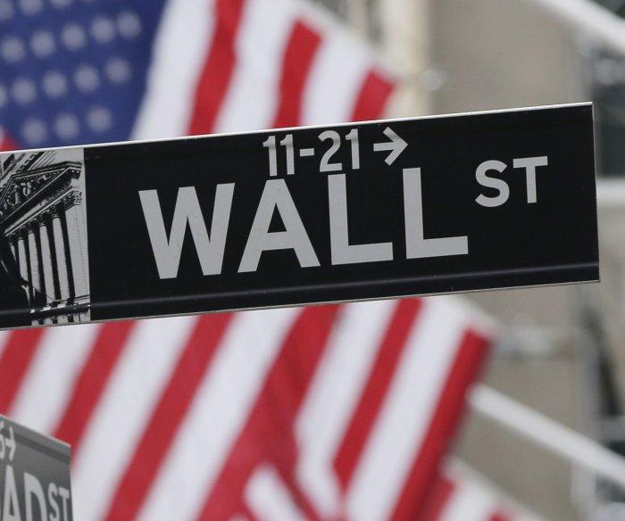Dow Jones falls nearly 425 points