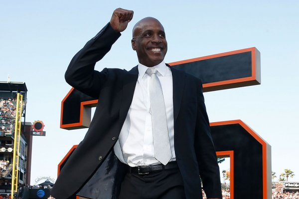 Barry Bonds retires his No. 25 jersey in San Francisco
