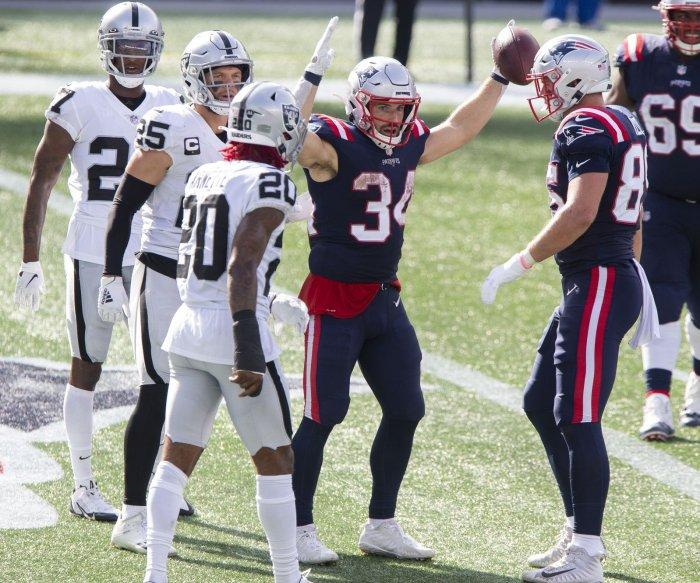 Rex Burkhead powers Patriots to win over Raiders