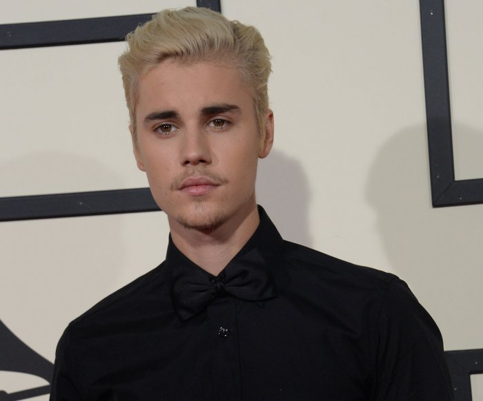 Police: Justin Bieber hit photographer with truck