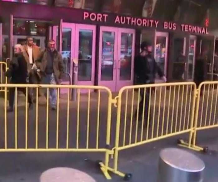 New York mayor: Explosion near Port Authority a 'terrorist attack'