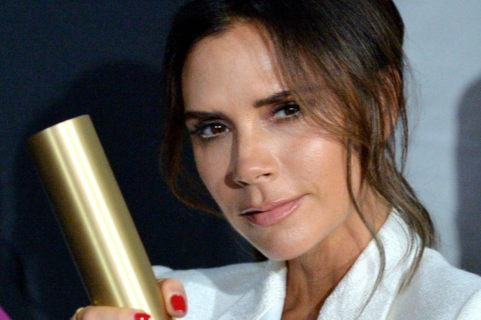Victoria Beckham, Scarlett Johansson win top honors at the People's Choice Awards