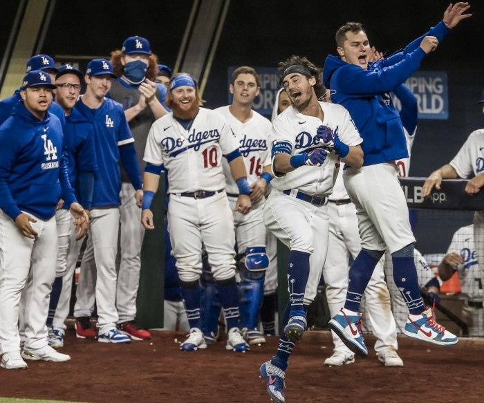Dodgers beat Braves 4-3 in Game 7, to face Rays in World Series