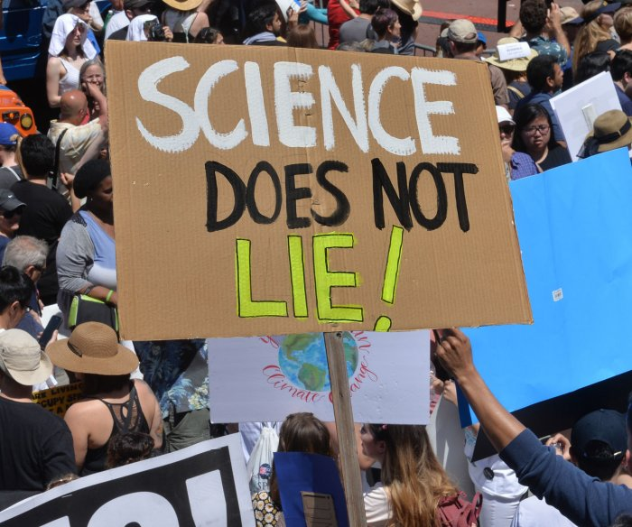 Crowds 'March for Science' in global Earth Day protest