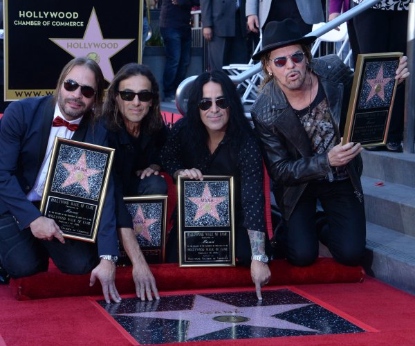 Mana gets Hollywood Walk of Fame star