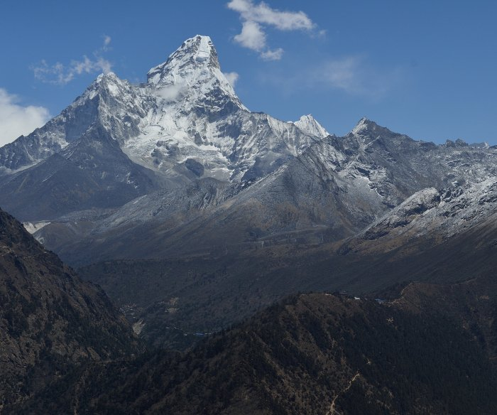 Four climbers found dead at Mount Everest camp