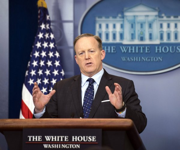 Watch live: Sean Spicer gives daily press briefing