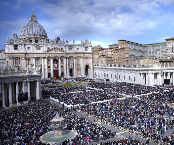 Vatican condemns 'predator priests' in Penn. grand jury report
