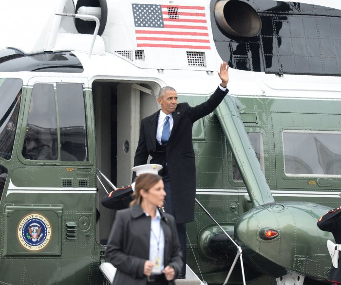 Obama's California flight diverted in stormy weather