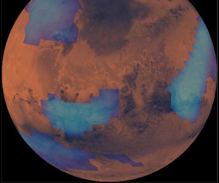 Meteors, icy dust explain cloud cover on Mars