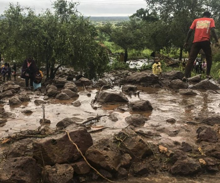 Cyclone Idai: 1,000 people may be dead, says Mozambique president