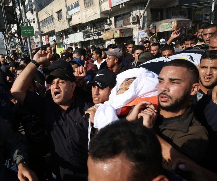 Islamic Jihad fires 50 rockets into Israel after senior leader killed