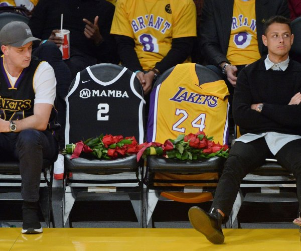 Lakers honor Kobe Bryant in first game since his death