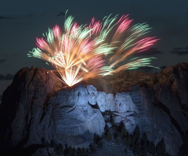 Trump calls for statuary garden at Mount Rushmore July 4 event