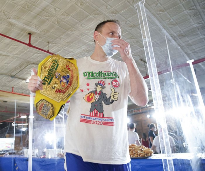 Joey Chestnut, Miki Sudo win Nathan's Hot Dog Eating Contest