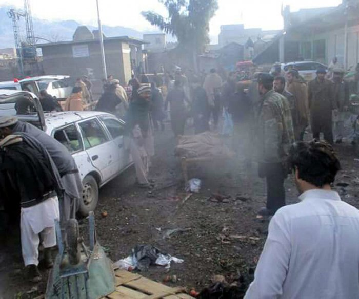 At least 20 killed in Pakistan market bombing