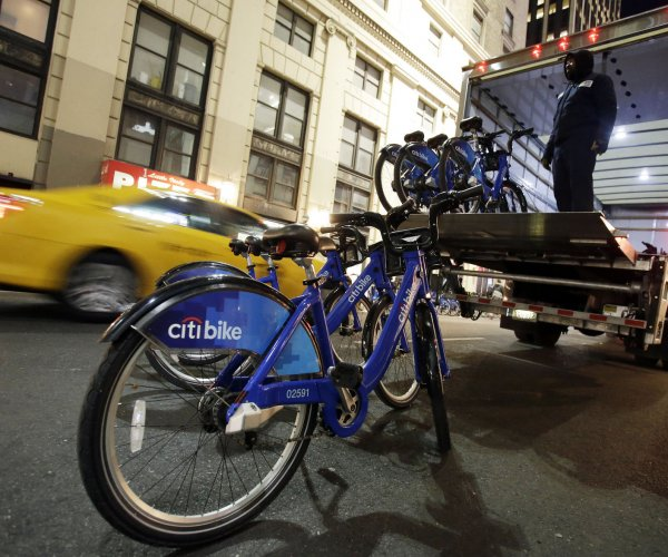 Bike-sharing services get commuters to drive less