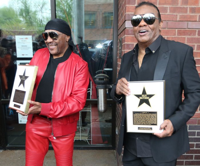 Isley Brothers receive star on St. Louis Walk of Fame
