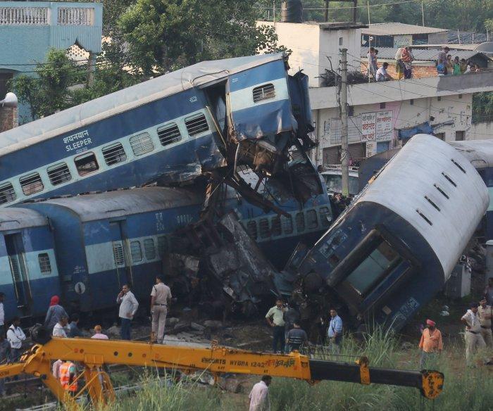 Train derailment kills at least 23 in India