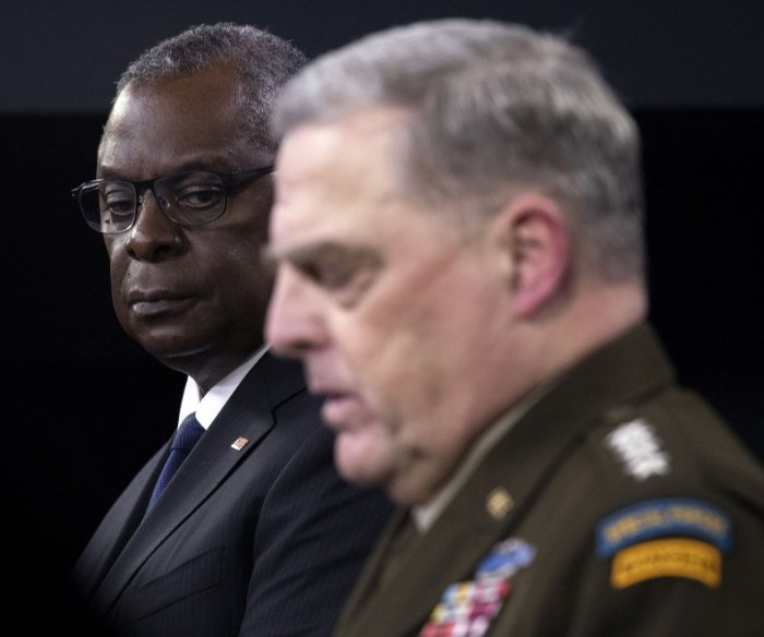 Top U.S. commanders to face questions in Senate over Afghan exit