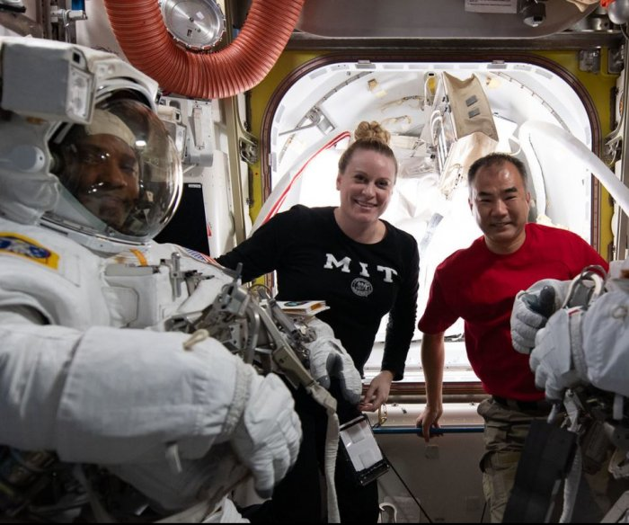Watch live: Astronauts make spacewalk at Int'l Space Station