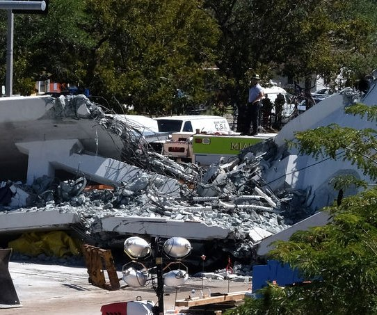 Engineers noted crack in Florida bridge before fatal collapse