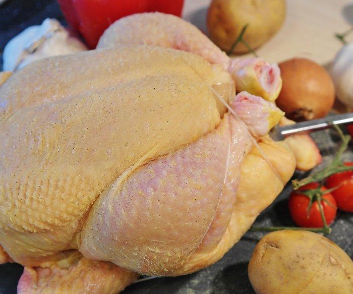 Antibiotic-resistant salmonella linked to chicken sickens 92