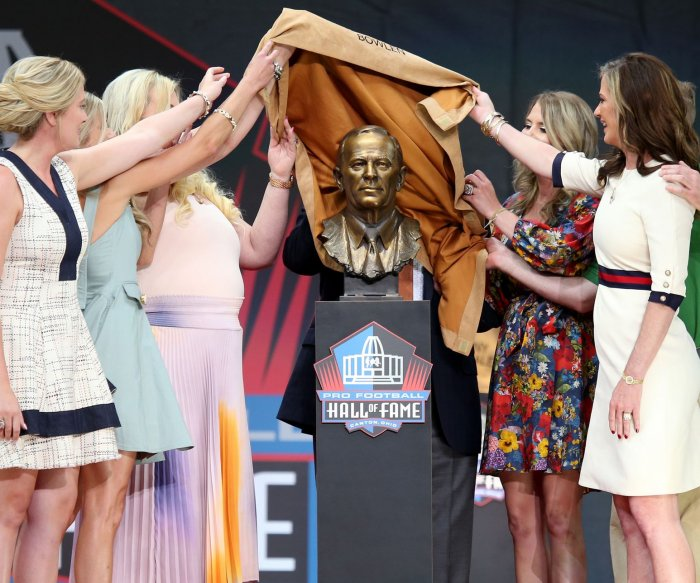 NFL Hall of Fame inducts new members