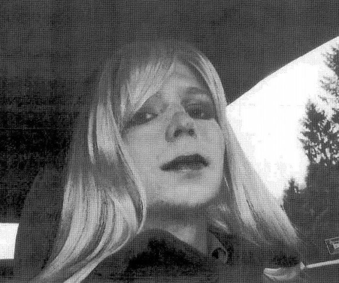 Obama commutes 209 more sentences, including Chelsea Manning's