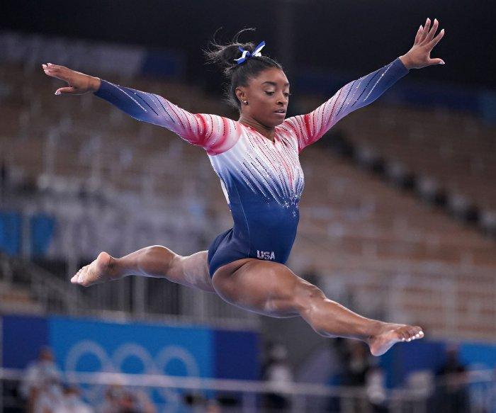 Simone Biles wins bronze, ties record in balance beam final at Olympics