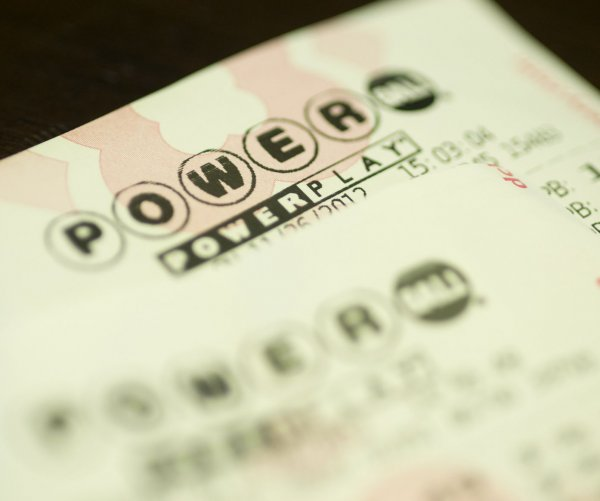 Powerball climbs to third-largest jackpot: $620 million