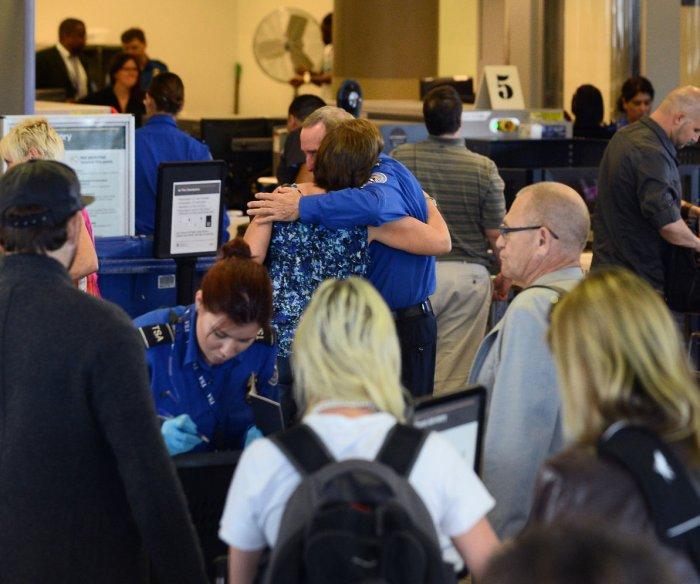Screenings to detect new coronavirus to begin at three U.S. airports