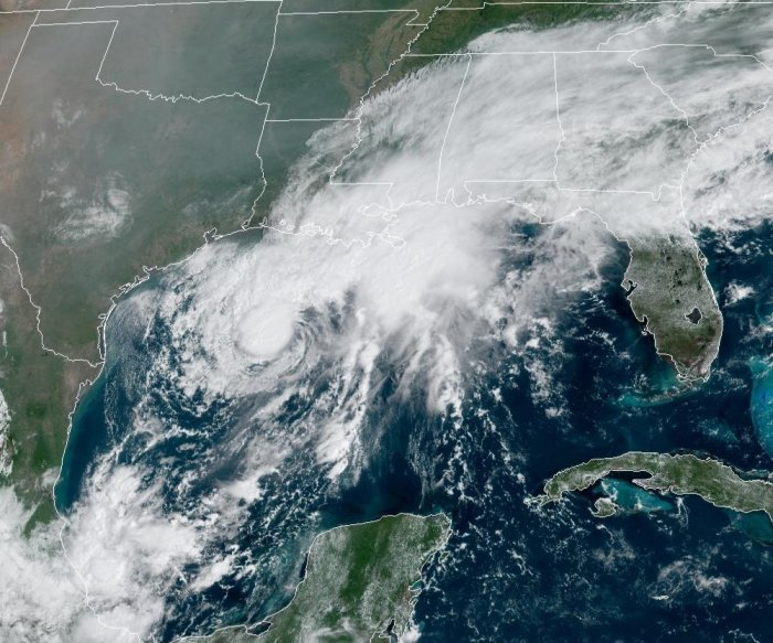 Tropical Storm Beta turns toward Texas