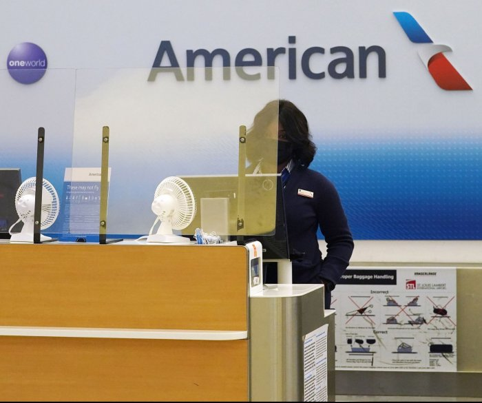 American Airlines cuts hundreds of flights due to labor shortage, other issues