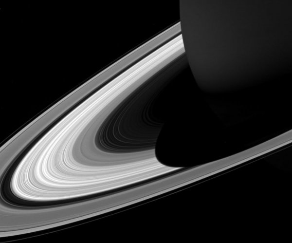 Cassini data suggests Saturn's rings are surprisingly young