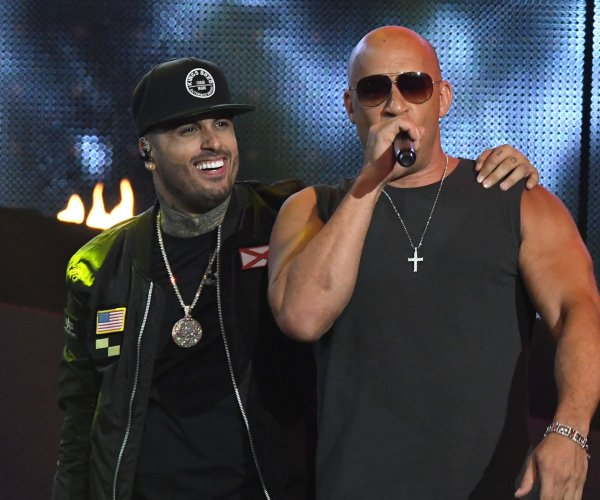 Nicky Jam, Jennifer Lopez win big at Billboard Latin Music Awards