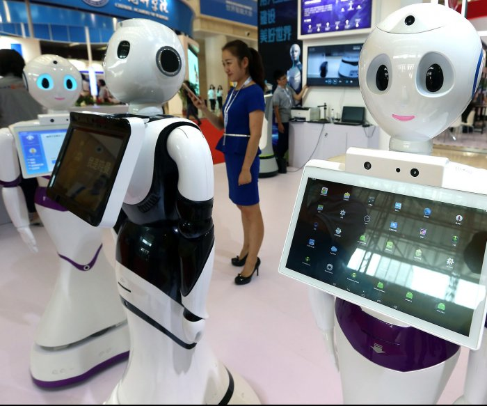 Report: Bots could replace millions of human workers by 2027