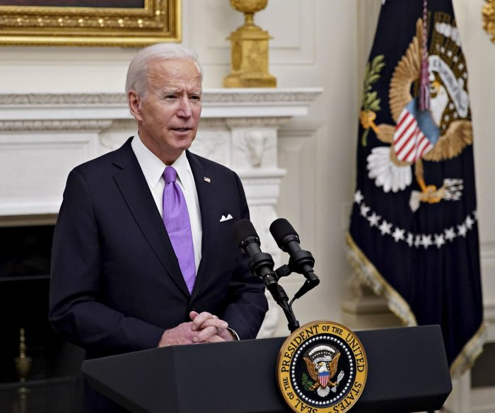 Biden signs orders to give states COVID-19 help, widen testing