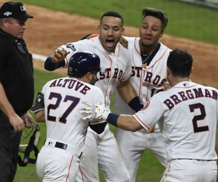 ALCS: Jose Altuve homer sends Astros to World Series