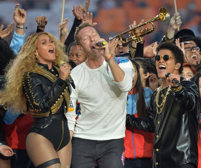 Super Bowl 50 halftime show celebrates past performances