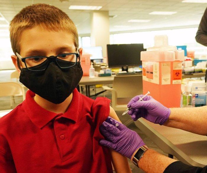 FDA panel recommends Pfizer COVID-19 vaccine for kids 5-11