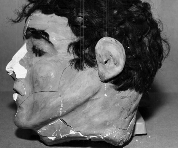 FBI 3D-prints replicas of decoy heads used in 1962 Alcatraz escape
