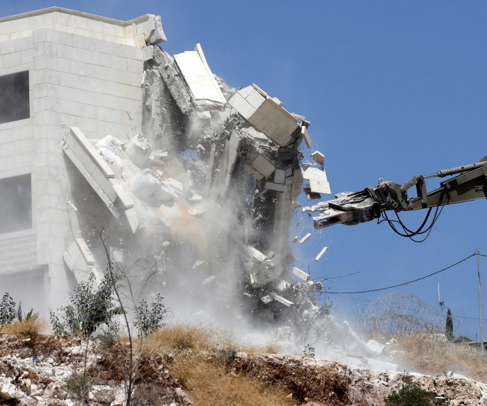 Israel begins toppling Palestinian housing in East Jerusalem