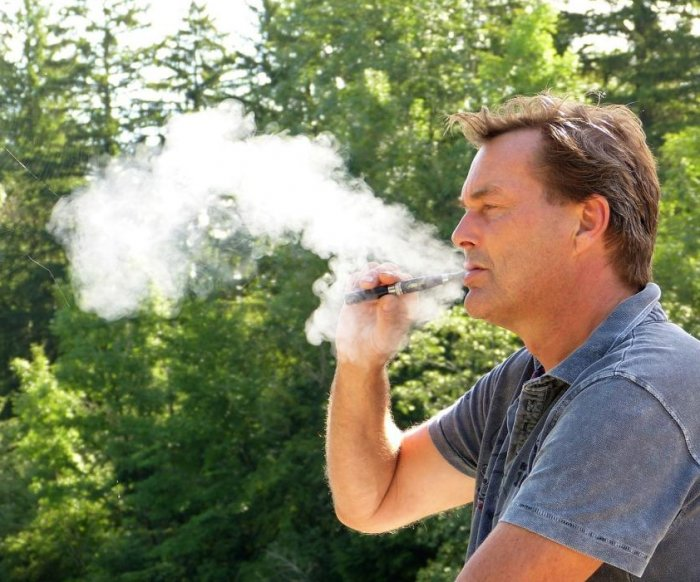 U.S. vaping deaths taper off; popcorn lung diagnosed in Canada