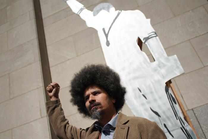 Frieze New York showcases sculptures in Rockefeller Plaza
